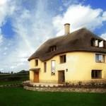 Free book teaches how to build a cob house