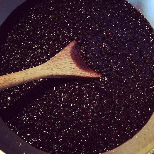 How to make simple elderberry syrup